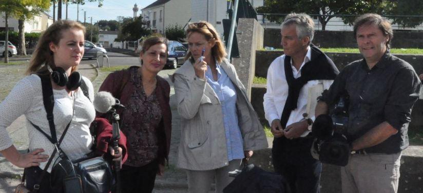 L'équipe de TF1 autour de Cathelyne Hemery, rédac chef du service culture, Philippe Hui (La Philharmonie des Deux Mondes) et Laure Taar (La Locomotive des Arts)