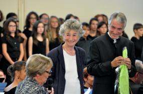 Mme la Maire du Croisic félicite les artistes